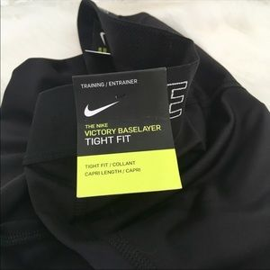 Nike Pants - NWT/Nike Victory Warm Base Layer Tights Capri